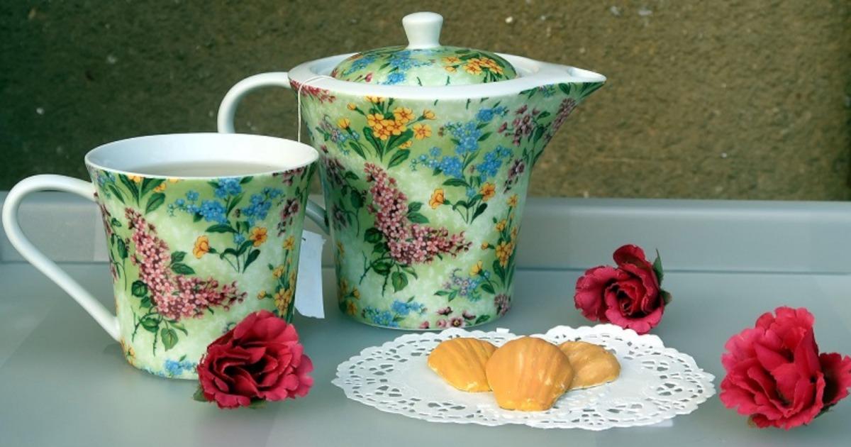 紅茶とマドレーヌ